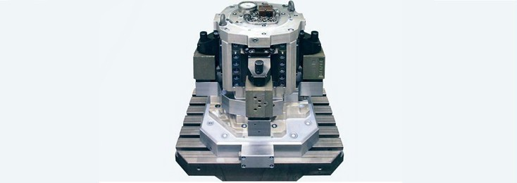 Clamping hydraulics for cutting machine tools