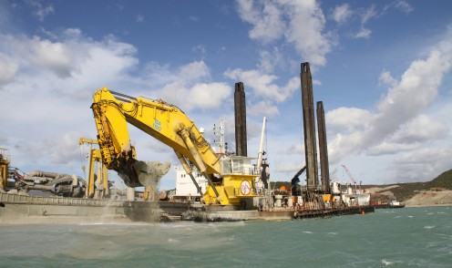 Back hoe dredge; with courtesy of Jan de Nul
