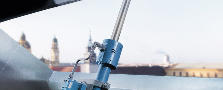 Bosch Rexroth stage safety with hydraulics